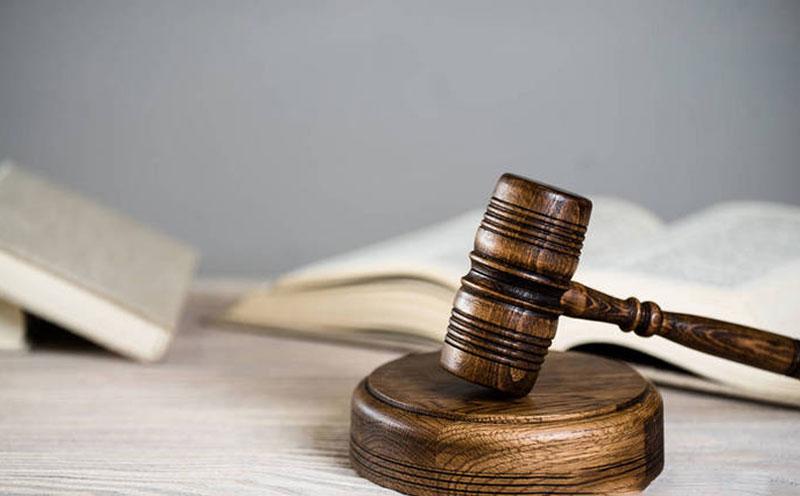人民法院在庭审中查明