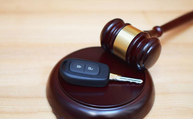 机动车承包人强令肇事者违章驾驶
