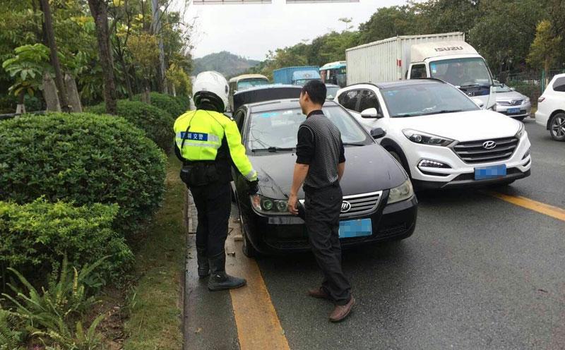 公安交管部门对事故现场进行勘察