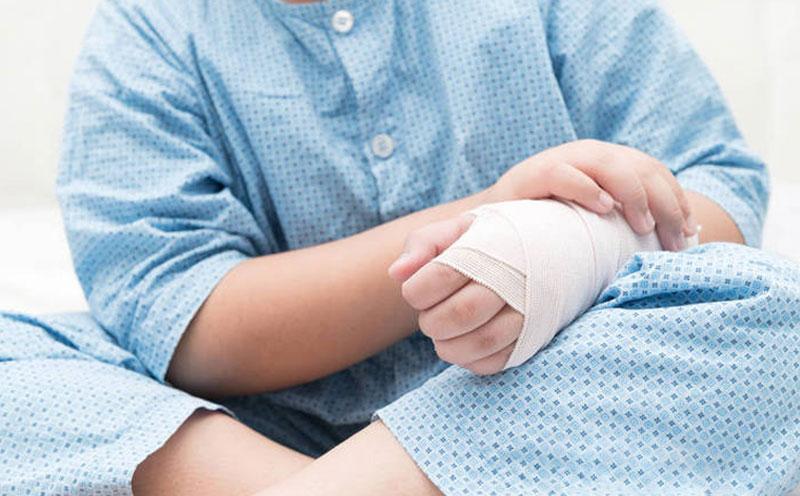 幼儿因车祸导致伤残