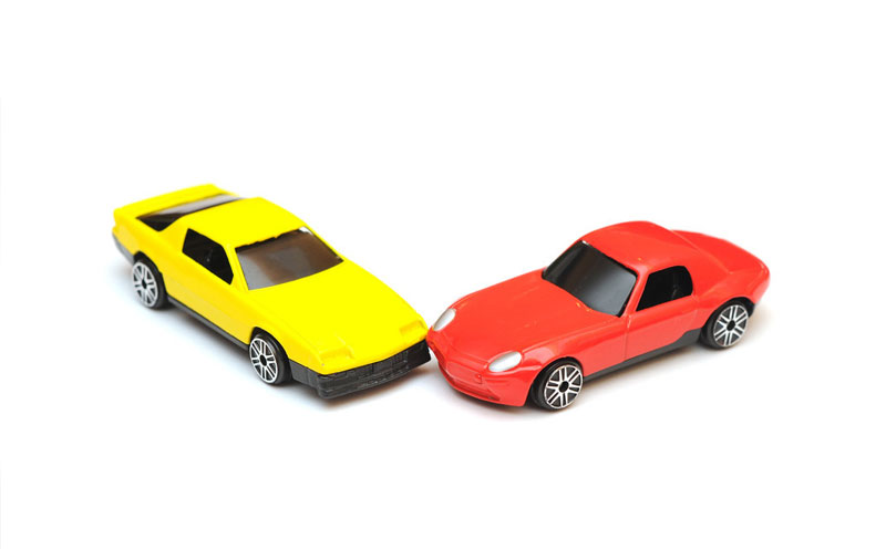两车发生碰撞