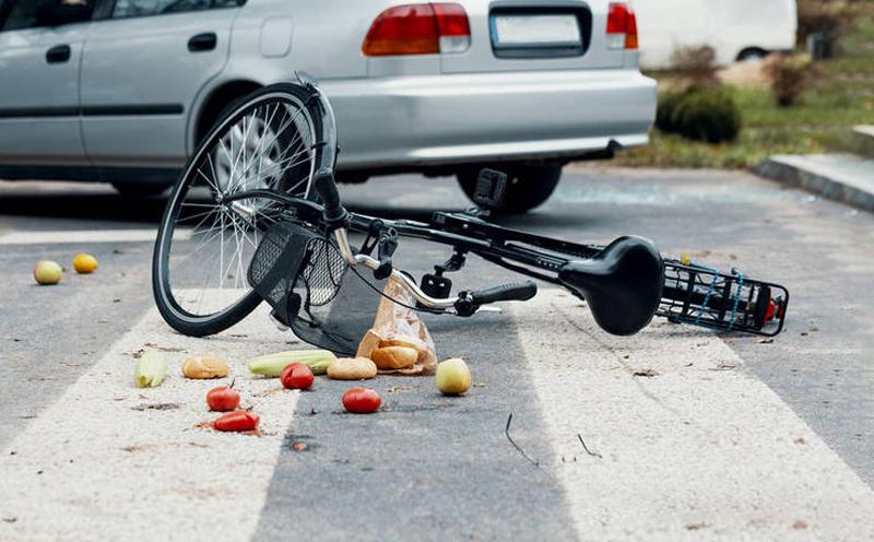 开车撞人逃逸了人没事怎么处理?