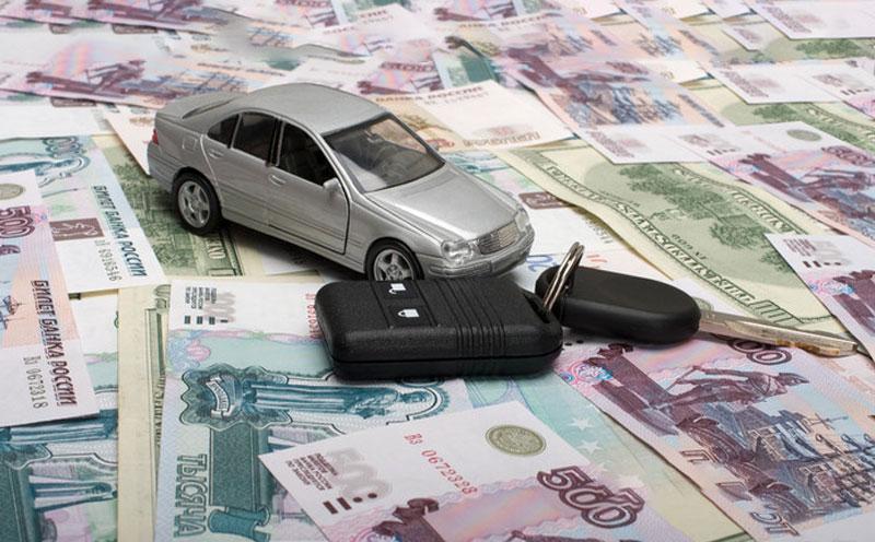 车祸保险理赔要自己先垫付吗?