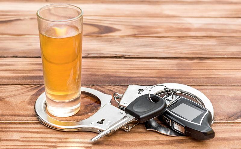 酒后、吸食毒品后驾驶机动车辆的