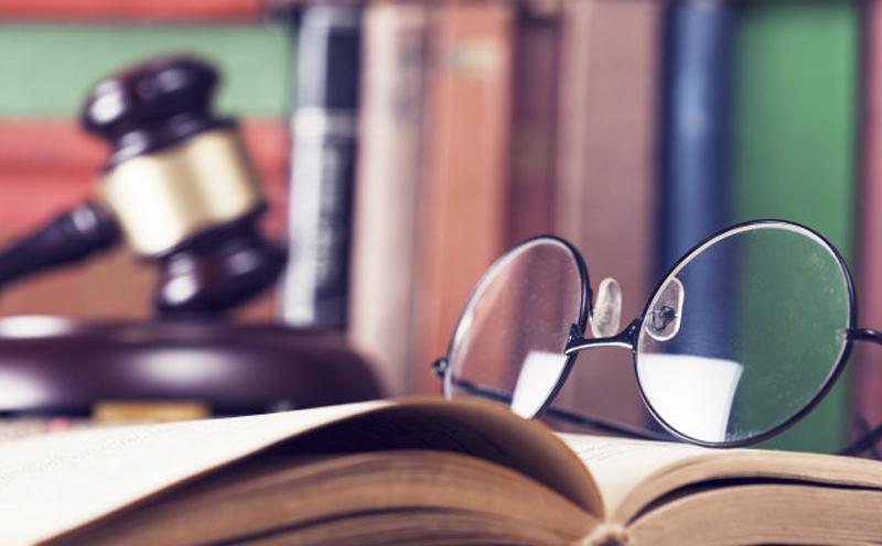 国晖律师与对方激烈辩论,据理力争,通过各种举证