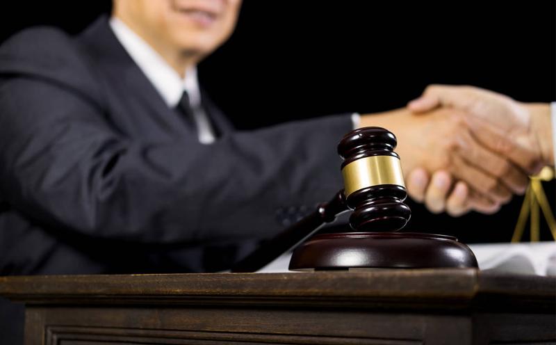 交通事故案件各法官判法不一