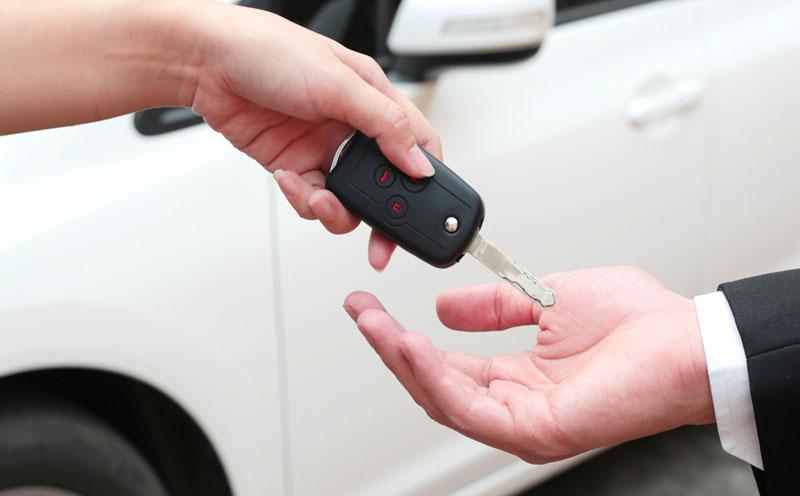 代驾出了事故怎么办?可以要求代驾公司赔偿吗?