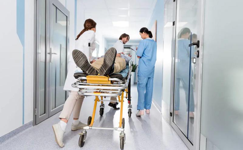 交通事故受害人达到什么伤残级别需要赔偿被扶养人生活费?
